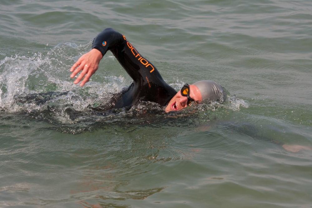 Mand i svømmedragt